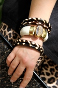 Bone and agate bracelet with Safari bangles